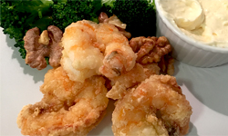 Walnut Shrimps with Broccoli and Garlic Mayonnise Sauce 西芥蘭核桃蝦